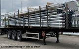 Lichtmasten transport met de trailer