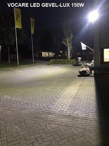 LED GEVEL-LUX 150W op damwand plaat gebouw tbv beveiliging